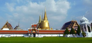 The front of Grand Palace and Emerald Buddha Temple