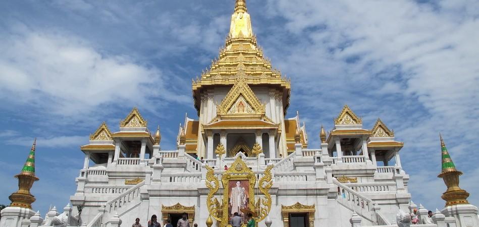 Wat Trimit2
